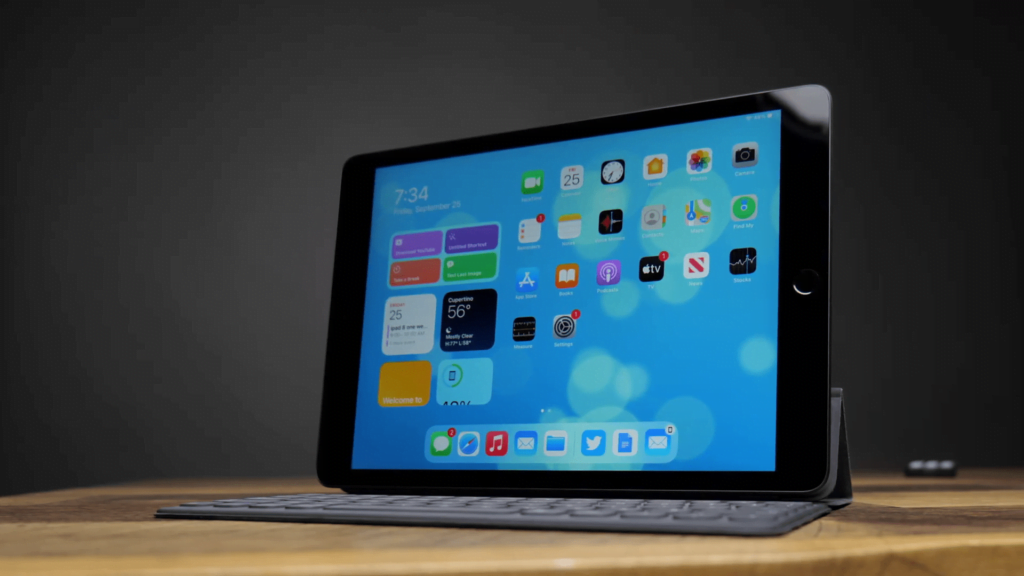 iPad 8 - Full Detailed Review | Apple |